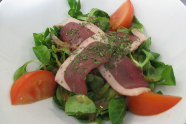 Salade gourmande de filets de canard